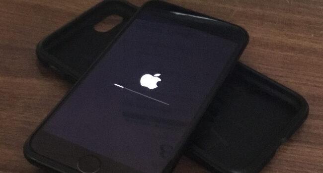 iOS 13.7 / iOS14 iPhone 8 / X / 7 застрял на логотипе Apple во время обновления, восстановления