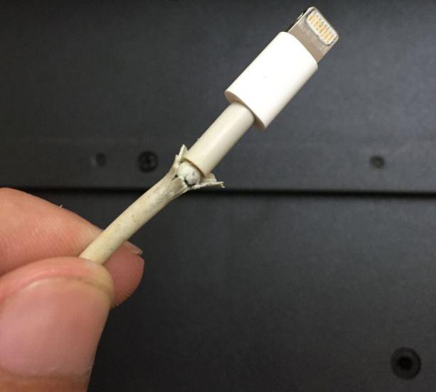 7 исправлений изношенного зарядного кабеля iPhone дома в 2021 году