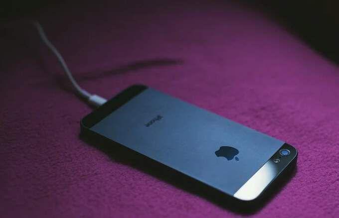 iPhone не заряжается?  6 исправлений, которые стоит попробовать