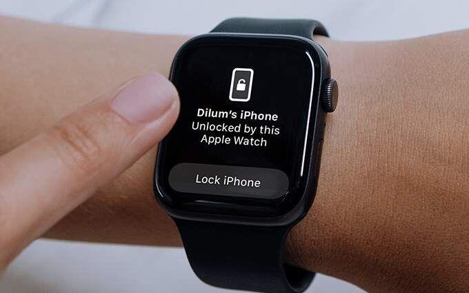 Как разблокировать iPhone с помощью Apple Watch с включенной маской