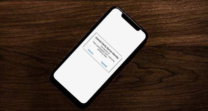 Как исправить ошибку «Не удается проверить подлинность сервера» на iPhone или iPad